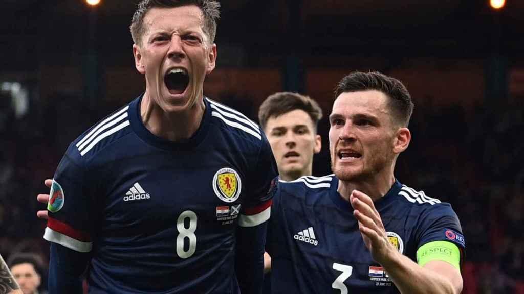 Callum McGregor celebra su gol con la selección de Escocia en la Eurocopa 2020