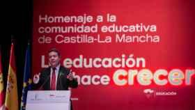 El presidente de Castilla-La Mancha, Emiliano García-Page, este lunes en el homenaje de la región a la comunidad educativa