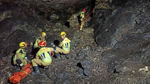 Los bomberos de Motilla consiguieron rescatar a la mujer accidentada (Foto: @cuenca112)