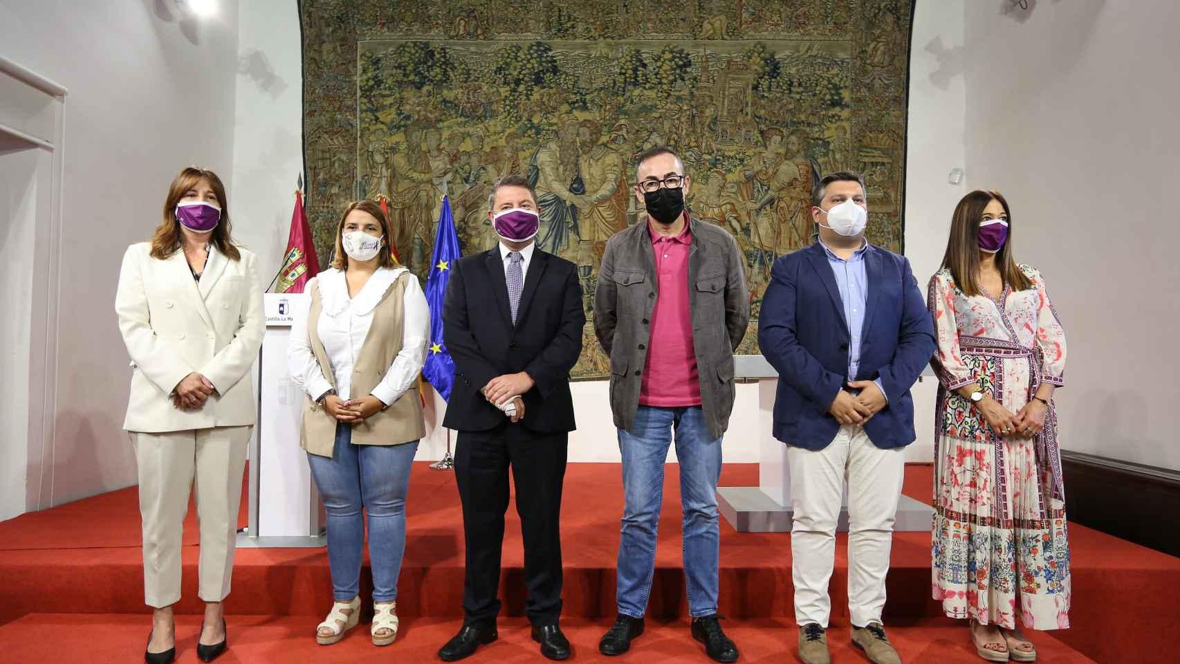Page preside la firma del acuerdo para la puesta en marcha del Plan Corresponsables en Castilla-La Mancha