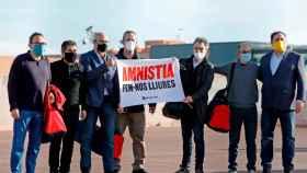 Los líderes encarcelados del independentismo, a las puertas de Lledoners.