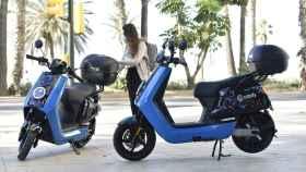 Unas motos de Cabify en Málaga.