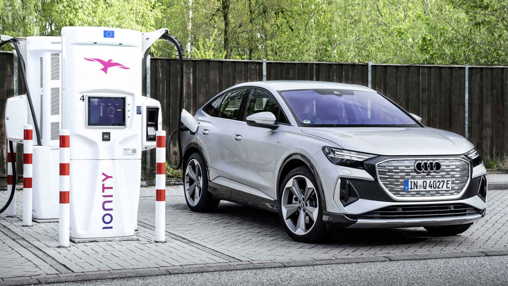 Audi solo lanzará coches eléctricos en 2026; las marcas que dicen adiós al diésel y la gasolina