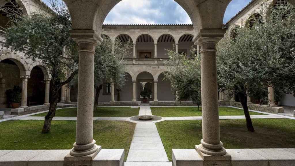 El claustro de la sede de la Junta de Extremadura, en una foto de recurso.