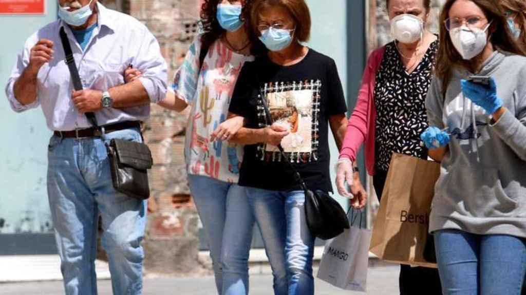 A partir del sábado, 26 de junio, dejará de ser obligatorio el uso de la mascarilla en exteriores.