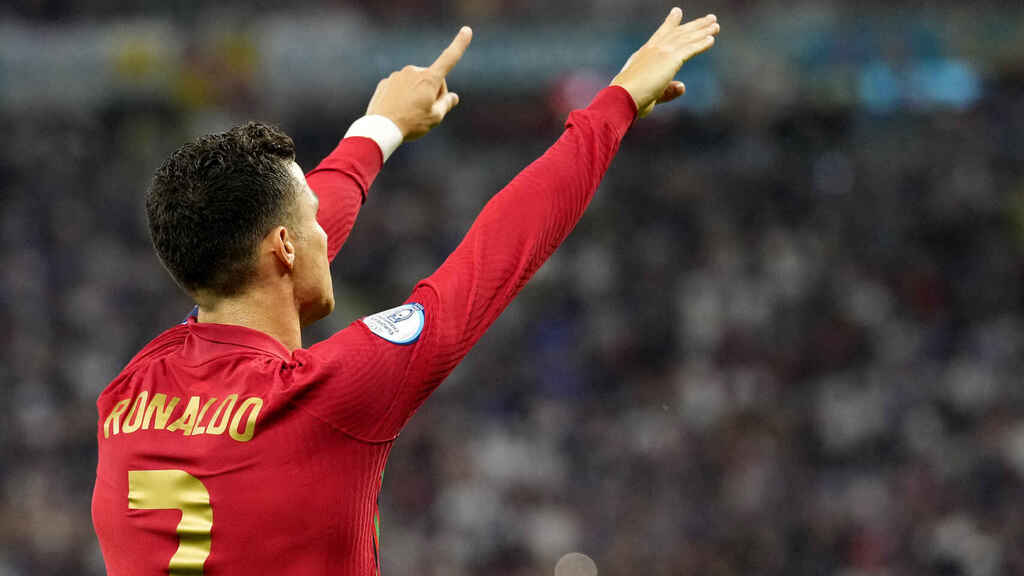 Cristiano Ronaldo celebra su gol con Portugal