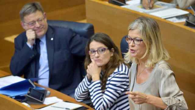 Puig, Oltra y la consellera de Justicia, en las Cortes.