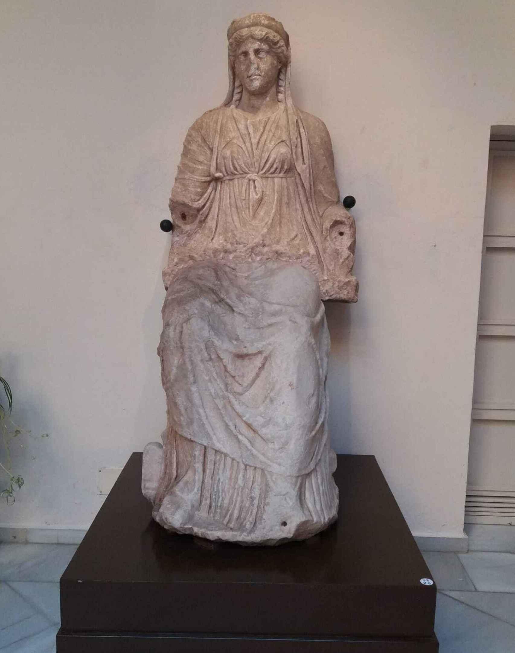 La estatua de la diosa Juno vuelve a mostrarse completa en Badajoz.
