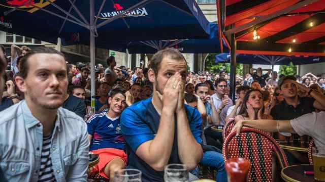 Aficionados de Francia viendo la Eurocopa