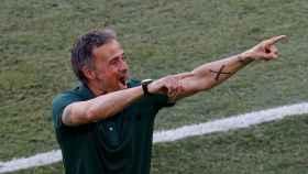 Luis Enrique celebra eufóricamente el gol de Aymeric Laporte a Eslovaquia