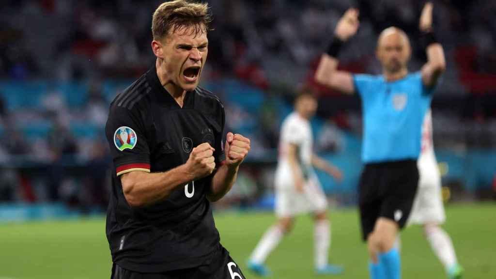 Leon Goretzka celebra su gol con la selección de Alemania en la Eurocopa 2020
