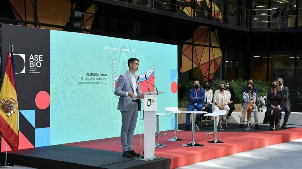 Ion Arocena, director general de Asebio, durante la presentación del informe.