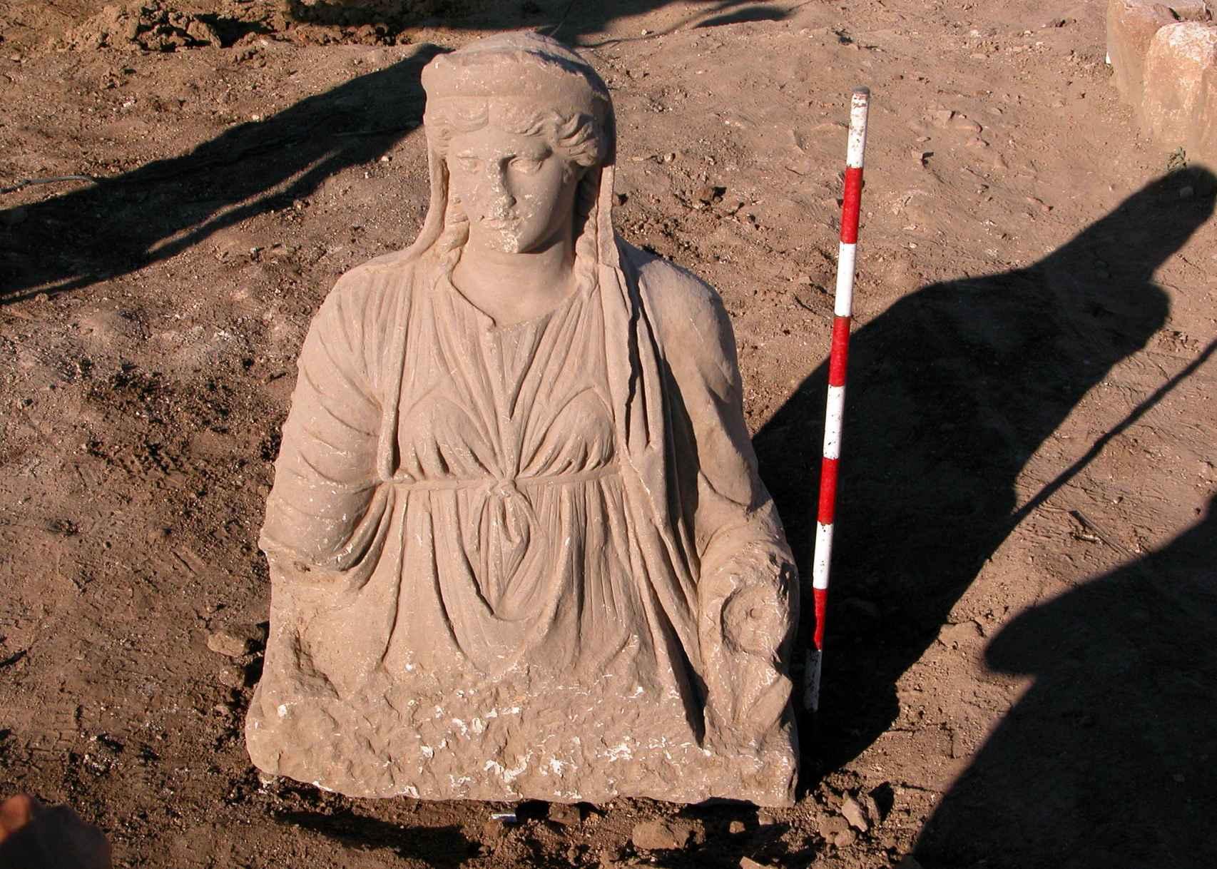 Hallazgo del torso y la cabeza de la diosa romana en 2010.
