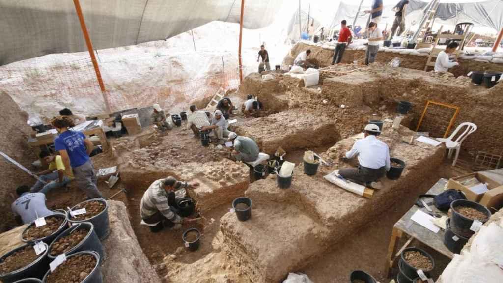 Vista de la sección profunda durante la excavación.