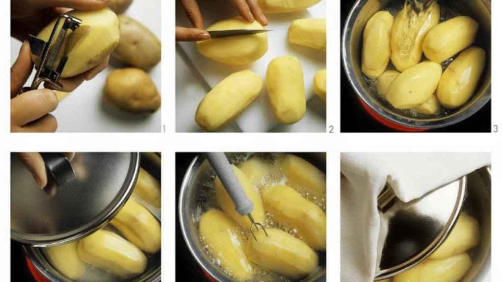 Preparando una patata cocida.