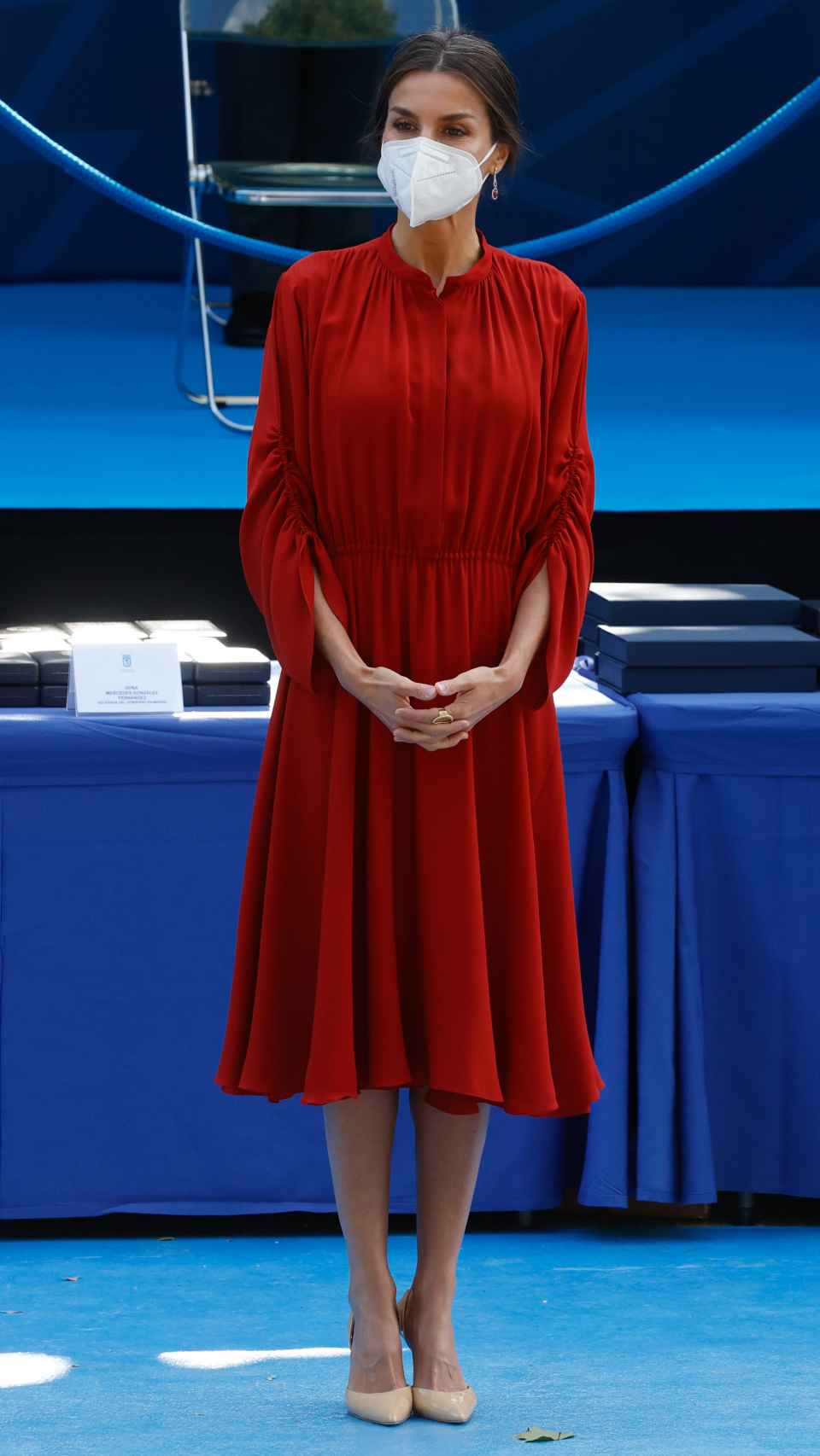 Letizia ha recuperado un vestido de Salvatore Ferragamo que estrenó en 2019.