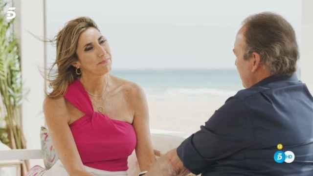 Paz Padilla hablando con Bertín Osborne en 'Mi casa es la tuya'.