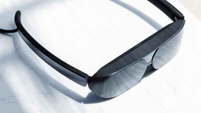 Las nuevas gafas de TCL son un monitor para tu smartphone
