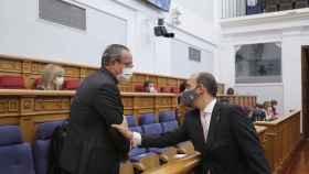 Ruiz Molina junto al presidentes de las Cortes Pablo Bellido