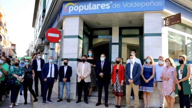 Paco Núñez abre de par en par la nueva sede del PP en Valdepeñas