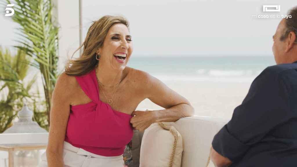Paz Padilla riéndose con Bertín en 'Mi casa es la tuya'.