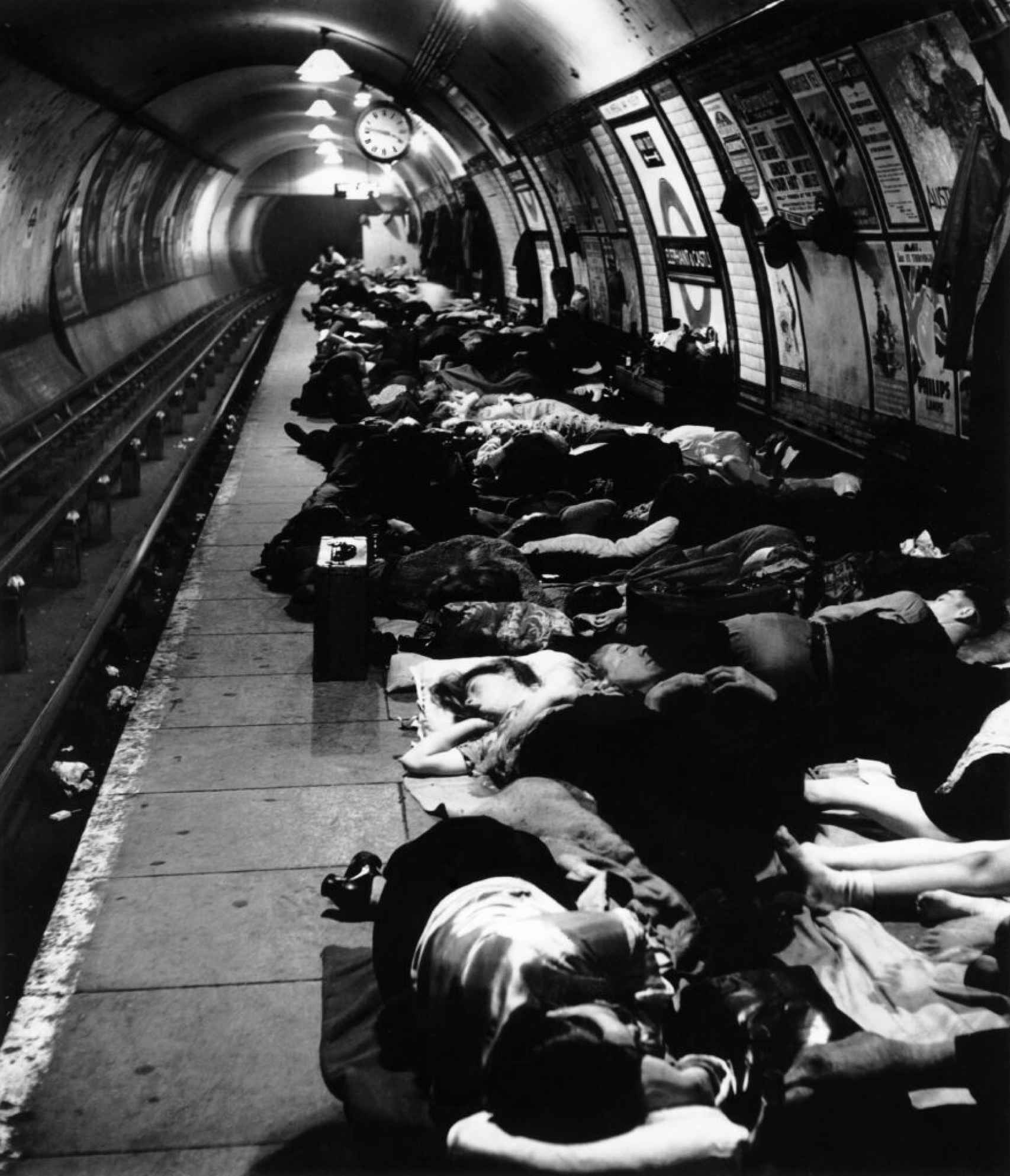 Bill Brandt. Estación de metro de Elephant and Castle, 1940