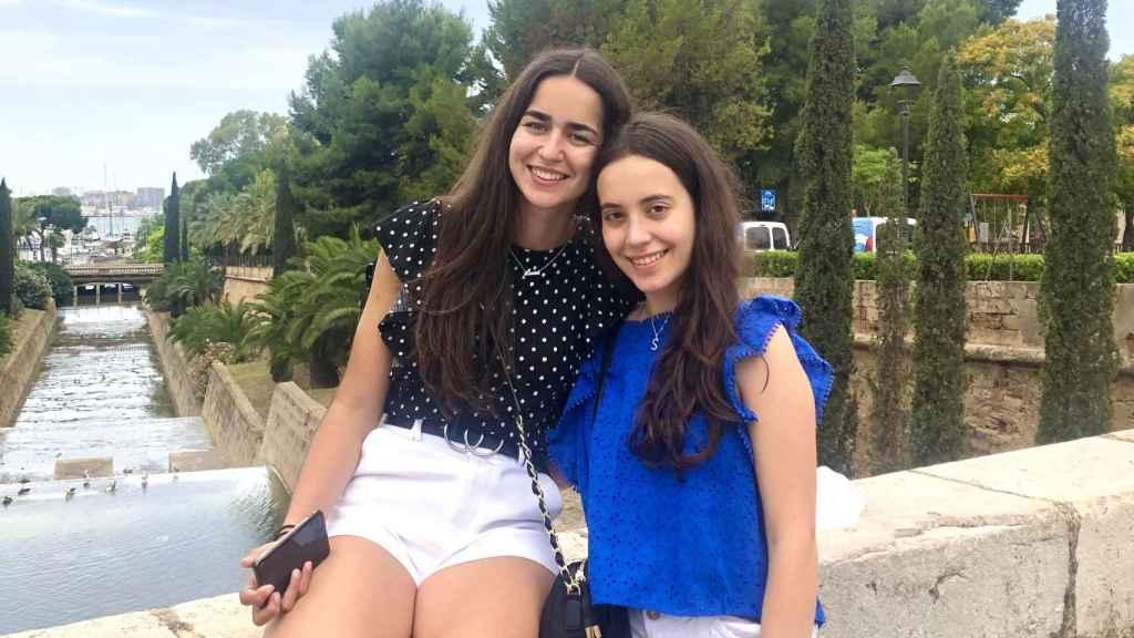Lucía y Sara Campollo, de Potes (Cantabria).