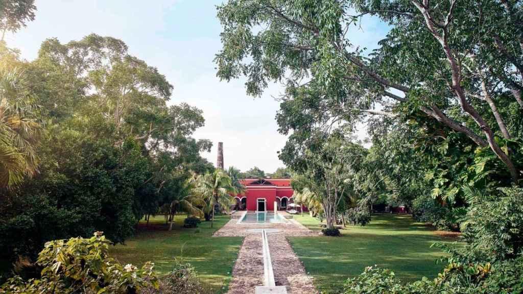 El hotel se encuentra en plena selva tropical de Yucatán.