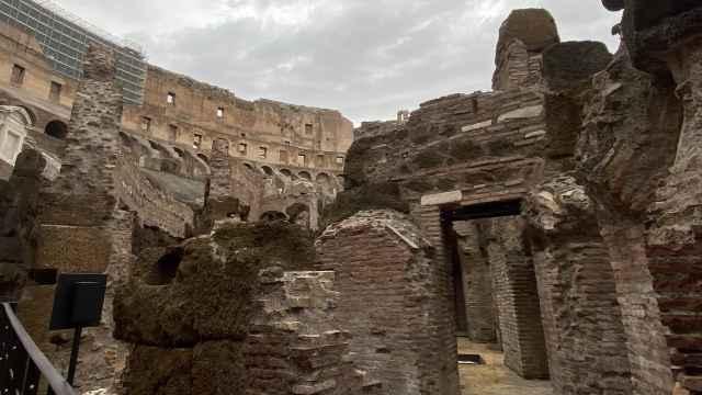 Vista de las galerías subterráneas del Coliseo.