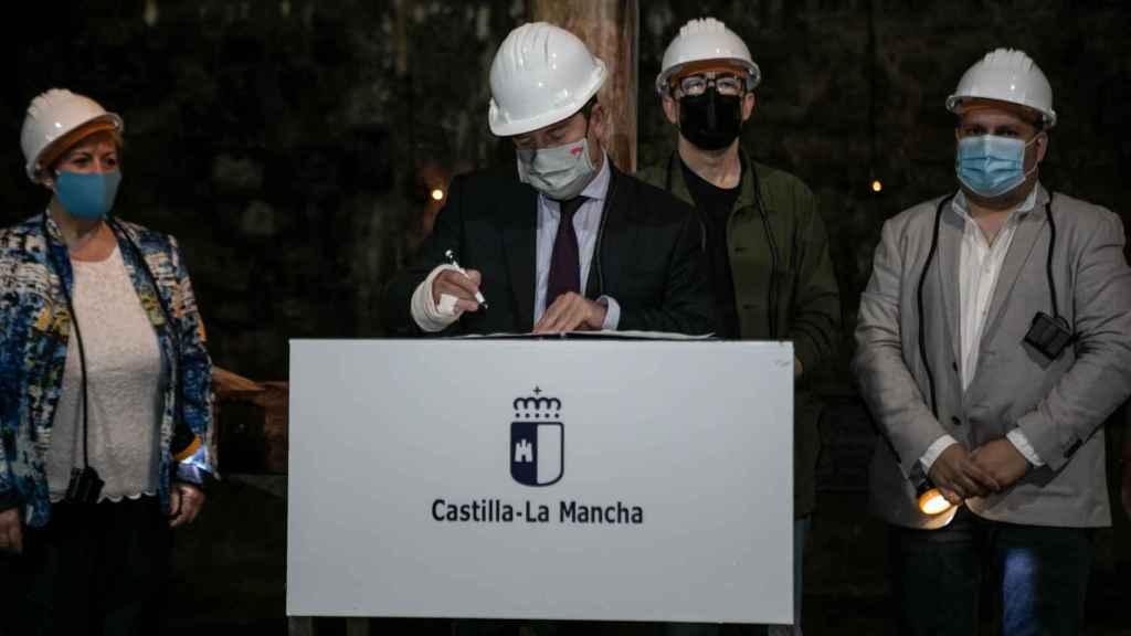 Page, este viernes en el interior de las minas de Almadén. Fotos: JCCM.