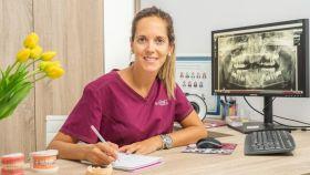 Cristina Cuadros, en su clínica Ikonic Dental.