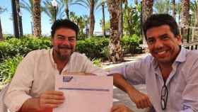Carlos Mazón y Luis Barcala en junio de 2020 durante la recogida de avales para la candidatura del primero.