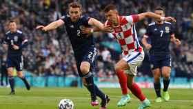 Perisic durante un partido de la Eurocopa con Croacia
