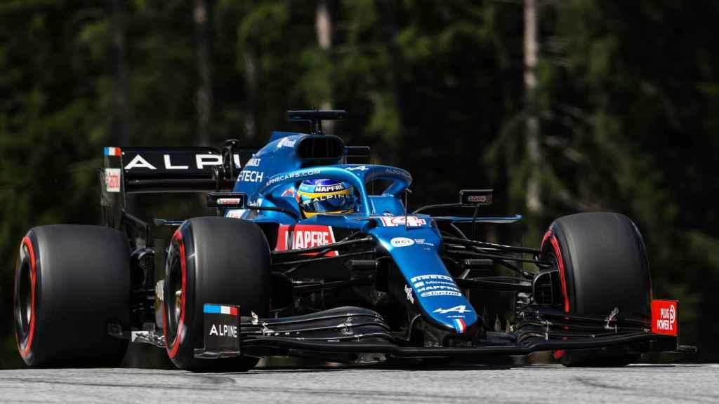 Fernando Alonso con su A521 en Austria