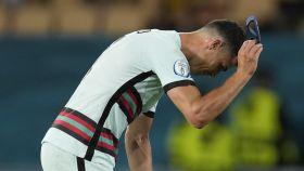 Cristiano Ronaldo tras caer en la Eurocopa
