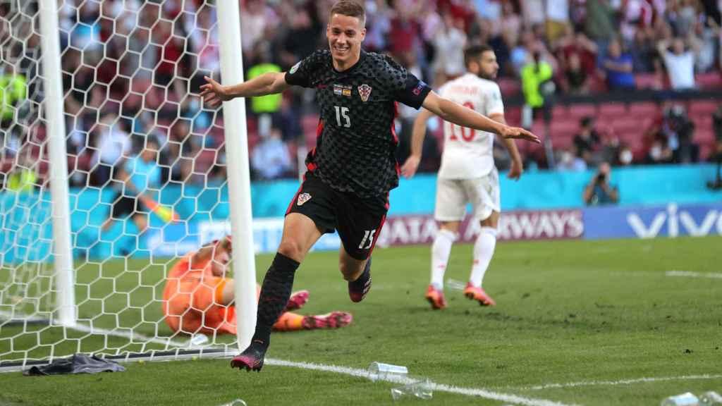 Mario Pasalic celebra el gol del empate de Croacia ante España