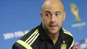 Pepe Reina durante una rueda de prensa con la Selección