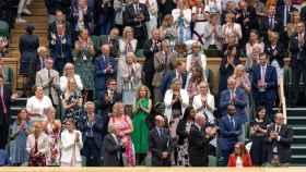 Los espectadores de Wimbledon ovacionan a la profesara Sarah Gilbert, cocreadora de la vacuna de Astrazeneca