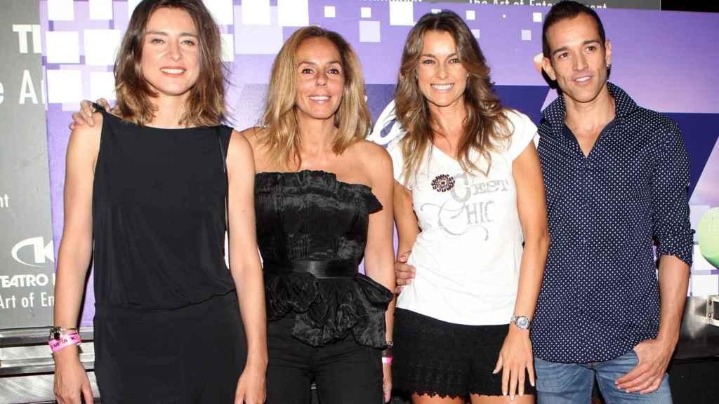 Sandra Barneda, junto a sus compañeras de 'Hable con ellas'.