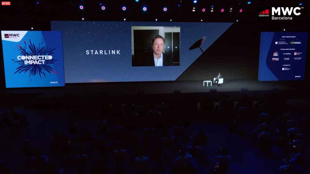 Elon Musk, conectado por videoconferencia al MWC 2021