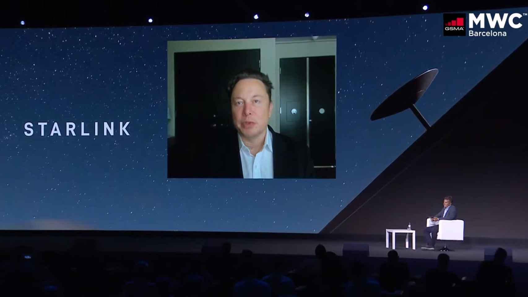 Elon Musk hablando sobre Starlink en MWC 2021
