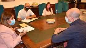Un instante de la reunión entre las autoridades municipales y los hosteleros