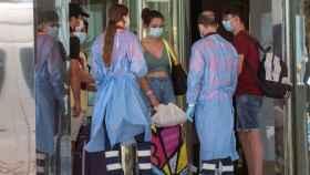 Un grupo de jóvenes afectados por el  brote de Mallorca.