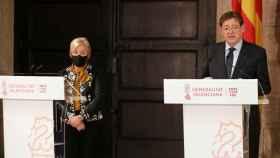 Ximo Puig, junto a la consellera de Sanidad, Ana Barceló. EE