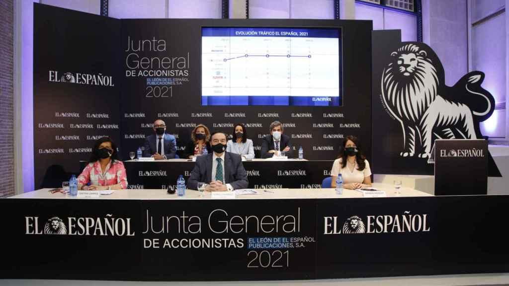 Los miembros del consejo de administración de EL ESPAÑOL durante la junta de accionistas.