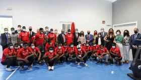 Alejandro Blanco y los deportistas que estarán en el Centro Deportivo para refugiados