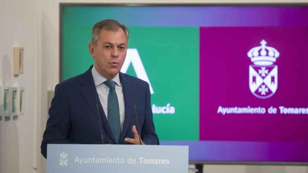 El alcalde de Tomares y senador por el PP, José Luis Sanz.