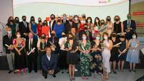 Foto de familia de los galardonados por la Fundación Alares
