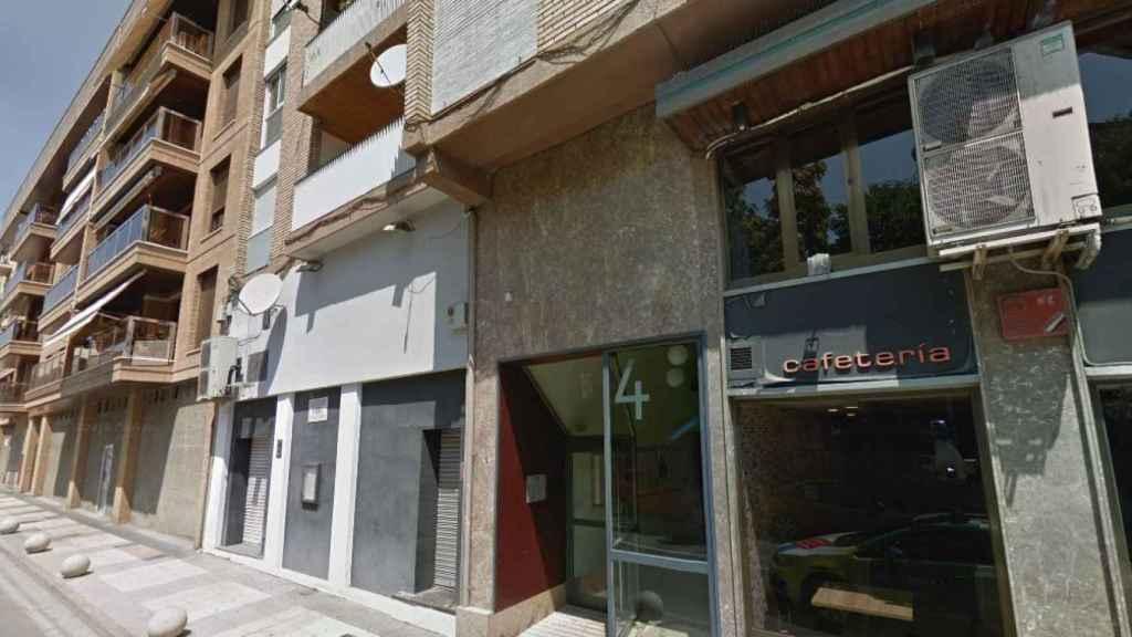 El número 4 de la calle Ejército Español, en Barbastro (Huesca), donde ha tenido lugar el suceso.