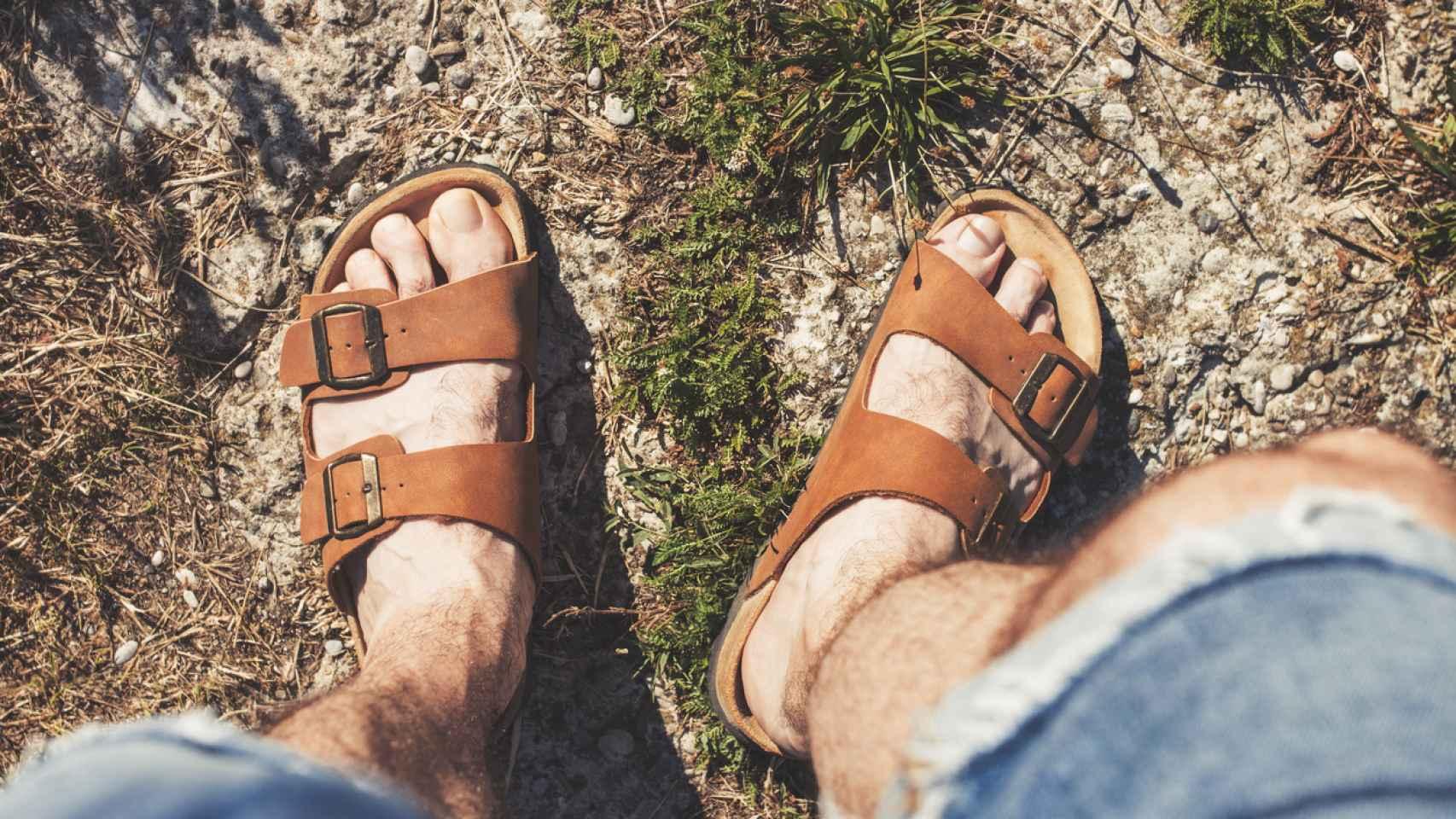 Sandalias para hombre perfectas para pasear este verano